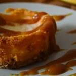 Cheesecake au coulis de caramel au beurre salé