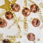 Mendiants de Noël : chocolat au lait, noisette & raisin sec
