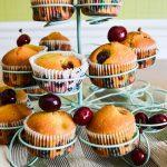 Muffins moelleux aux cerises et aux  amandes {Bataille Food #25}
