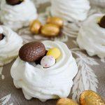 Nids de Pâques façon Pavlova {meringue & chocolat}