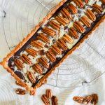 Tarte marbrée chocolat caramel & noix de pécan